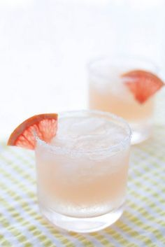 Check out these easy and delicious refreshing cocktails for Christmas at http://dropdeadgorgeousdaily.com/2013/12/skinny-minny-low-calorie-cocktails-silly-season/