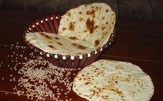 Retete Culinare - Lipii rapide la tigaie Pita Bread, Muffin, Healthy Eating, Pizza, Baking, Breakfast, Desserts, Recipes, Food