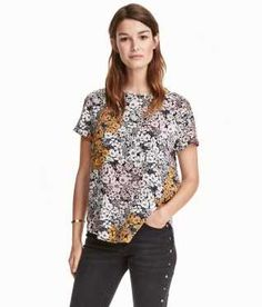 Short-sleeved Blouse