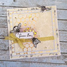 Today's fabulous project comes from talented DT member Sarah Jackman Read & how glamourous and chic does it look!Created in partnership with award winning Homemade Birthday Cards, Homemade Greeting Cards, Bee Cards, Birthday Cards For Women, Card Making Techniques, Bee Happy, Animal Cards, Scrapbook Cards, Scrapbooking