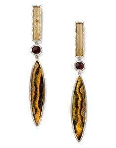 """Les boucles d'oreilles """"Baktun"""" de Monique Péan http://www.vogue.fr/joaillerie/le-bijou-du-jour/diaporama/les-boucles-d-oreilles-baktun-de-monique-pean/14498"""