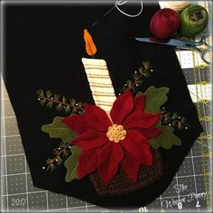 me ~ Best Sewing Projects Winter Ideas Wool Applique Quilts, Wool Applique Patterns, Wool Quilts, Wool Embroidery, Felt Christmas Decorations, Felt Christmas Ornaments, Christmas Crafts, Xmas, Christmas Applique