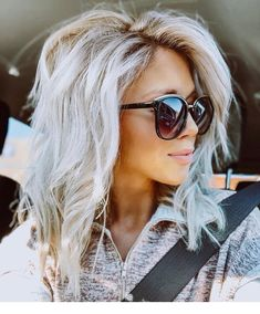 34 platinum blonde hair shades and highlights for 2019 6 – nothingideas Blonde Hair Shades, Platinum Blonde Hair, Icy Blonde, Blonde Wig, Blonde To Silver Hair, Long Silver Hair, Platinum Blonde Highlights, Medium Hair Styles, Curly Hair Styles