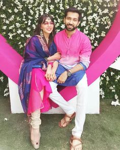 Nakuul Mehta is Painting the town PINK with his wife! Indian Men Fashion, Mens Fashion, Back Stitch Embroidery, Real Life, Nakul Mehta, Dil Bole Oberoi, Indian Wedding Wear, Yellow Saree, Indian Man