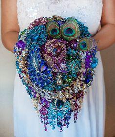 Broschen Bouquets, Purple Bouquets, Blue Bouquet, Turquoise Bouquet, Bridesmaid Corsage, Wedding Brooch Bouquets, Wedding Themes, Wedding Ideas, Diy Wedding