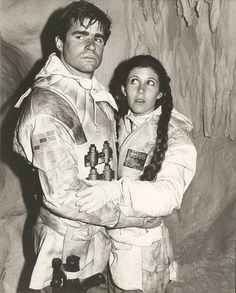 Carrie Fisher and Treat Williams on ESB set>Leia looks so different with her hair down