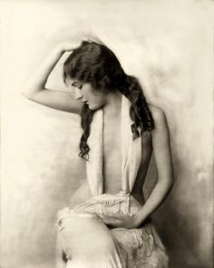 Alice Wilkie, Ziegfeld Girl, 1925