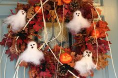 Halloween Wreath with Needle-Felted Ghosts and Jacks by SarabellaE / Sara / Love in the Suburbs, via Flickr