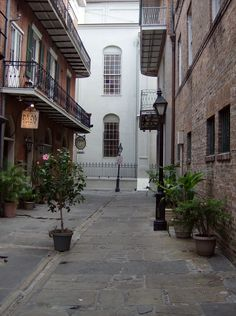 New Orleans Wedding in Pirates Alley Information  Elope to New Orleans for under $295 in a historic setting. Contact Chaplain Jerry Schwehm for details, Fig Street Weddings