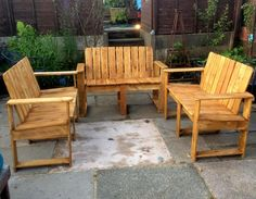 Pallet Outdoor Furniture Set and Custom Chest   101 Pallet Ideas