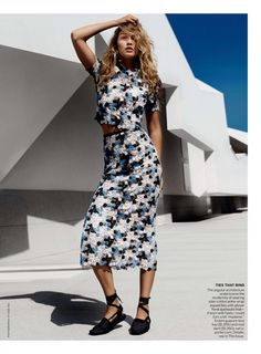 Gigi-Hadid--Vogue-Magazine-2015-december-domhnall-gleeson-3