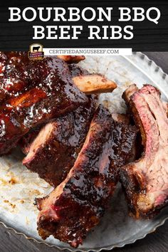 Sriracha or other hot chili sauce, bourbon and soy sauce give these beef back ribs a sweet and spicy flavor that's absolutely divine. Barbecue sauce adds to the depth of flavor. Best Beef Recipes, Barbecue Recipes, Barbecue Sauce, Cooking Recipes, Bbq Beef Ribs, Beef Back Ribs, Easy Roast Beef Recipe, Beef Appetizers, Grilled Beef