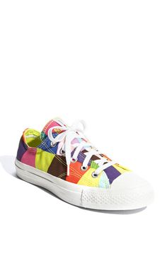 Chuck Taylor Marimekko Converse-I wear these sometimes on weekends! Cool Converse, Converse All Star, Converse Shoes, Converse Chuck Taylor, Vans, Cute Sneakers, Casual Sneakers, Cute Shoes, Me Too Shoes