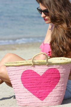 2018 fashion summer natural straw beach handmade bag for women made in Thailand Pink Summer, Summer Bags, Summer Colors, Summer Fun, Summer Time, Pink Beach, Summer Breeze, Beach Fun, Color Type