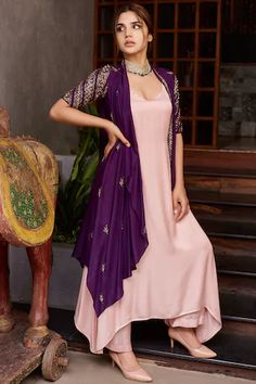 Beautiful Dress Designs, Stylish Dress Designs, Stylish Dresses, Simple Dresses, Long Dress Design, Indian Fashion Dresses, Dress Indian Style, Indian Wear, Designer Party Wear Dresses