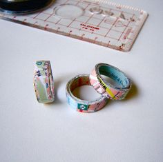 Rings Selber Machen How to Make a Map Ring -- could also be done with old book pages - I made a box from layered paper some time ago, since then I've wanted to try to make other things using this method, one idea I had was to make a ring. Seeing tha. Paper Jewelry, Paper Beads, Jewelry Crafts, Handmade Jewelry, Jewelry Ideas, Ring Crafts, Wire Jewelry, Diy Rings, Cute Rings