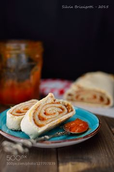 Pic: Apricots and Vanilla Roll Cake