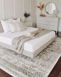 Room Ideas Bedroom, Home Decor Bedroom, Living Room Decor, Airy Bedroom, Neutral Bedroom Decor, Cozy White Bedroom, Cream And White Bedroom, Taupe Bedroom, Peaceful Bedroom