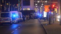 Ein Lastwagen hat an der Gedächtniskirche mehrere Passanten erfasst. Die Informationen sind zum Teil noch widersprüchlich. Offenbar ist ein ...