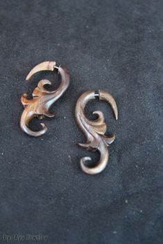 Wood Earring Fake Gauge Style w Liana Tribal Carving, Handmade Bali Earrings Fake Gauges, Bone Carving, Wood Earrings, Tribal Fashion, Fashion Accessories, Fashion Jewelry, Etsy Jewelry, Unique Jewelry, Small Businesses
