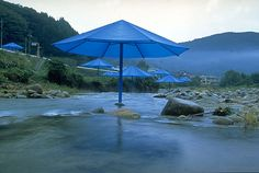 The Blue Umbrellas by Christo on friends-of-art.net