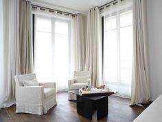 Résultats Google Recherche d'images correspondant à http://i1.bookcdn.com/data/Photos/OriginalPhoto/126/12698/12698869/Radisson-Blu-Le-Metropolitan-Hotel-photos-Room-Eiffel-View-One-Bedroom-Suite.JPEG