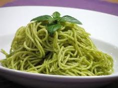 A cooking recipe, a travel story and a hint of science… All spinning around food ! Cooking Recipes, Healthy Recipes, Pesto, Dips, Spaghetti, Ethnic Recipes, Food, Sauces, Dressing