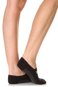 Calgary Avansino: Christmas Gifts For Mind Body & Spirit 2 (Vogue.com UK). Sweaty Betty - pilates socks. Pilates Socks, Barre Socks, Calgary Avansino, Yoga Positions For Beginners, Chill Style, Get Toned, Running Gifts, Sweaty Betty, Fitness Gifts