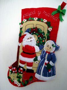 De la web Felt Christmas Stockings, Felt Stocking, Felt Christmas Ornaments, Christmas Decorations For Kids, Kids Christmas, Christmas Crafts, Holiday Decor, Xmas, Felt Crafts