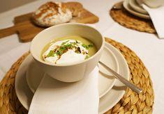 Skandinavisches Geschirr aus Schweden Soup, Tableware, Ethnic Recipes, Kitchen, Cookies, Nordic Design, Sweden, Deco, Farm Cottage