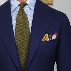 Shibumi Olive ZigZag Knit Tie and Nice Pocket Square.  www.shibumi-berlin.com