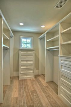 CABINET STYLE Perfect small walk in closet Wish this was my wardrobe... very green with envy....