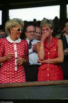 July Princess Diana with Princess Michael of Kent in the Royal box on centre court for the men's singles final between Pete Sampras and Goran Wimbledon. Princess Diana Fashion, Princess Diana Family, Prince And Princess, Princess Of Wales, Princess Leia, Real Princess, Lady Diana, British Fashion Awards, Catherine Walker