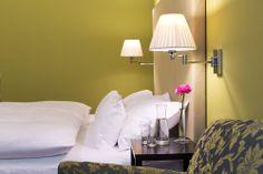 Classic Zimmer 18 - Altstadt Vienna Hotel Wien Zentrum Design Hotel, Short Vacation, Vienna, Cool Designs, Wall Lights, Rooms, Classic, Home Decor, Double Room