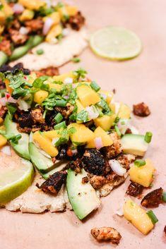 Taco uten kjøttdeig? Lett som en plett! Alt du trenger er tofu, krydder og stekepanne.