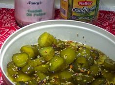 Candied Crunchy Dill Pickle Hunks Recipe Just A Pinch - Drain Picklessave Of The Jar Juice For Later In The Refrigerator Slice Pickles Into Hunks And Put Into A Bowl Add Sugarand Mix Let Stand At Room Temperature Up To Hours Vodka Recipes, Shot Recipes, Canning Recipes, Pickeling Recipes, Pickle Vodka, Pickle Relish, Sweet Dill Pickles, Candied Dill Pickles Recipe