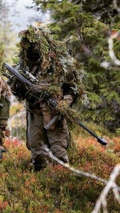 Le Sniper, Sniper Gear, Airsoft Sniper, Tactical Gear, Military Camouflage, Military Love, Military Guns, Military Art, Sniper Camouflage