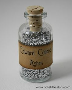 """halloweencrafts: """" DIY Edward Cullen's Ashes from Polish the Stars here. Go mini and wear it around your neck. Available from her etsy store here or DIY (she has her DIY version up on her site). If you can't get mini glass bottles locally, I've. Mini Glass Bottles, Edward Cullen, Fall Halloween, Halloween Ideas, Haunted Halloween, Creepy Halloween, Halloween Crafts, Happy Halloween, Gag Gifts"""