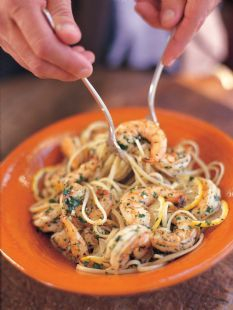 Barefoot Contessa - Linguine with Shrimp Scampi. Serves 3. Prep your ingredients before you start. Use 1 teaspoon of salt over shrimp. To serve 6 click on original recipe: http://www.barefootcontessa.com/recipes.aspx?RecipeID=34&S=0