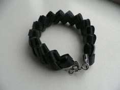 Zwarte armband.Armband van rubber.Dubbel gevlochten door assieshop