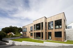 #Kebony_Sustainable_Home_by_Tone_Bekkestad  Tone Bekkestad, a renown lecturer and highly acclaimed environmentalist, has created a sustainable home from kebony durable facade. Located in the outskirts of Oslo, her two storey beautiful building is clad in beautiful kebny wood.