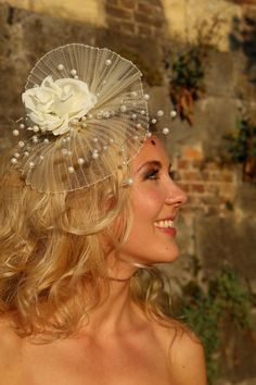 CREME CRINOLINE WITH PEARLS BRIDAL FASCINATOR BY AGATELIER