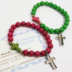 Pulseras personalizadas para regalar en una comunión o bautizo a los invitados. Pulsera bolas con cruz