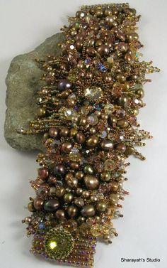 Beautiful embroidered jewelry by Sharayah Sheldon | Beads Magic