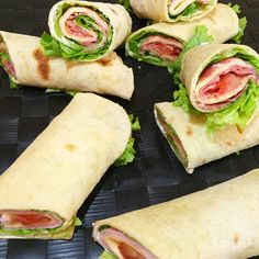 Salted rolls with salmon - Clean Eating Snacks Quick Recipes, Healthy Recipes, Food Film, Salty Foods, Cafe Food, Clean Eating Snacks, Finger Foods, Food Porn, Vegetarian Recipes