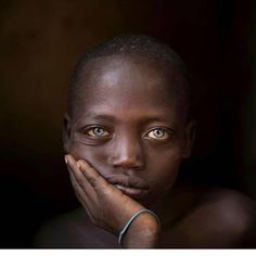 Black With Blue Eyes, Crazy Eyes, Sculpture Projects, Baby Faces, Ethiopia, Beautiful Eyes, Candid, Pretty, People