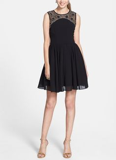 Throwing a pretty party in this little black dress.