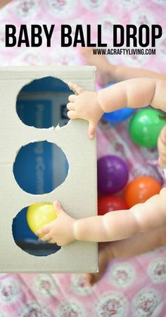 Easy Baby Play – DIY Baby Ball Drop with a Carton!acraftyliving … Easy Baby Play – DIY Baby Ball Drop with a Cardboard Box!acraftyliving… - Baby Development Tips Toddler Learning Activities, Montessori Activities, Infant Activities, 8 Month Old Baby Activities, Kids Learning, Baby Learning Activities, Higher Learning, Montessori Baby, Montessori Bedroom