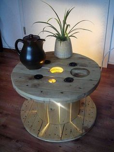 We love to do and add different features top the usual pallet wood cable reels project. Here is another such project. You can build this awesome under lit coffee table with a little bit of extended effort. You will be amazed with the results.