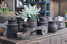 oude houten voorwerpen uit Nepal